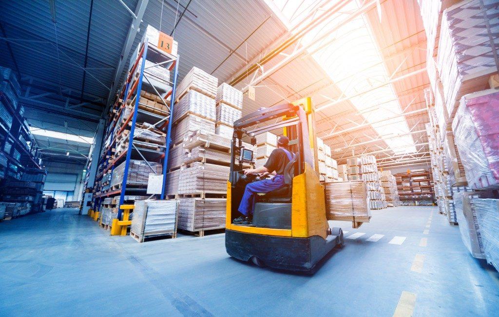 Warehouse shipyard distribution