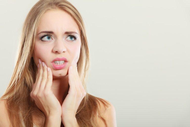 girl having dental anxiety