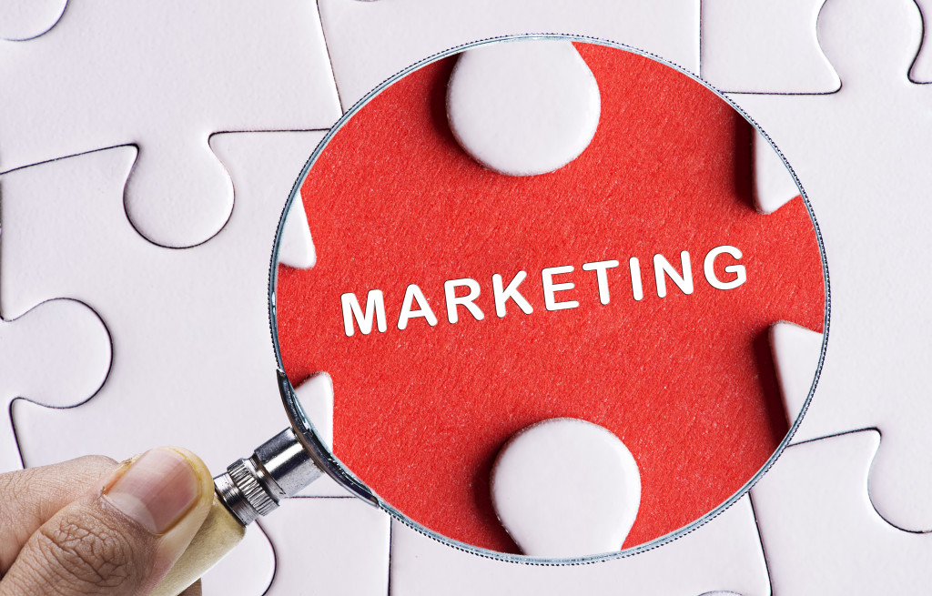 magnifying glass marketing puzzle